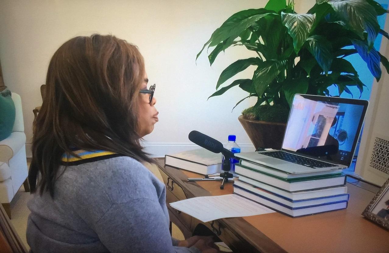 Photo: Oprah At Laptop